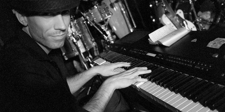 piano-player